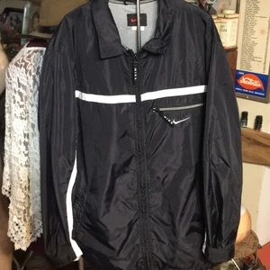 Nike windbreaker rain jacket